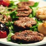 Alsancak Kıbrıs Şehitleri Makara Cafe Bar'da Canlı Müzik Eşliğinde Akşam Yemeği Menüleri